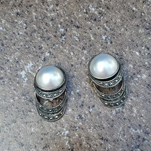 Jewelry - Faux pearl and glass clip on earring